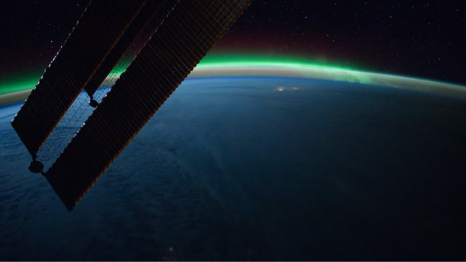 VIDEO: A Gift – Your Planet from the International Space Station, Time Lapse-EARTH